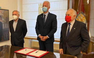 El Ayuntamiento de Logroño firma un convenio con Cáritas y Cruz Roja para atender a las personas en situación de especial vulnerabilidad